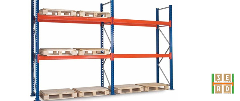 empty-pallet-racks-with-wooden-pallets
